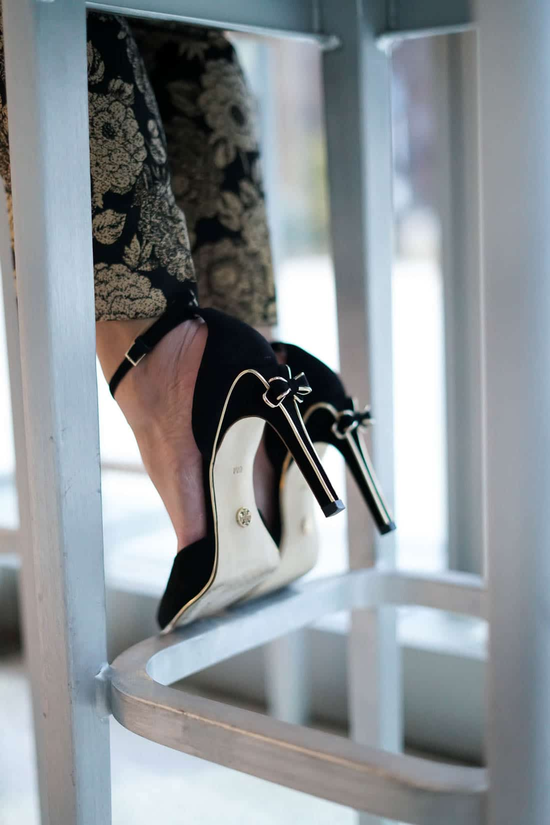 Holiday Style, Holiday party shoes, Tory Burch Heels, Chicago Blogger, A Lily Love Affair