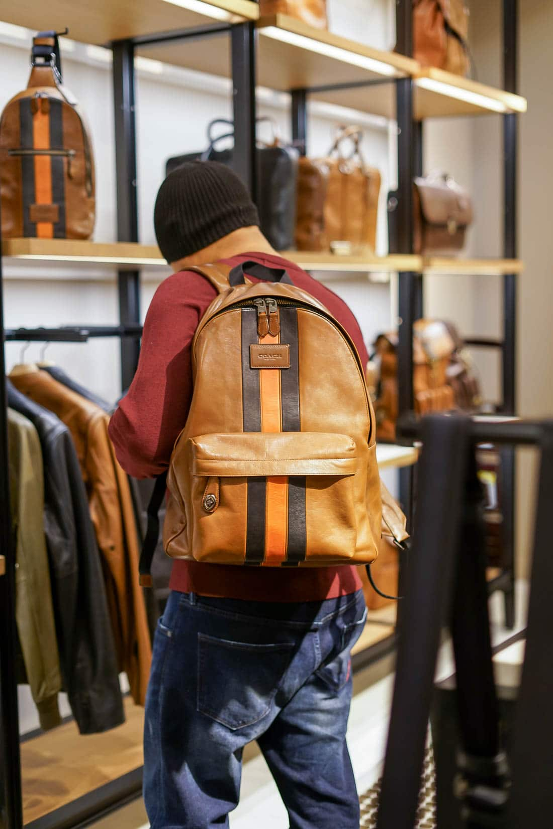 Nov 05, · 1. More trouble in mall land: Wall Street is bracing for more signs of the retail apocalypse this week when Macy's and Nordstrom detail the latest pain from the loss of mall shoppers who've.