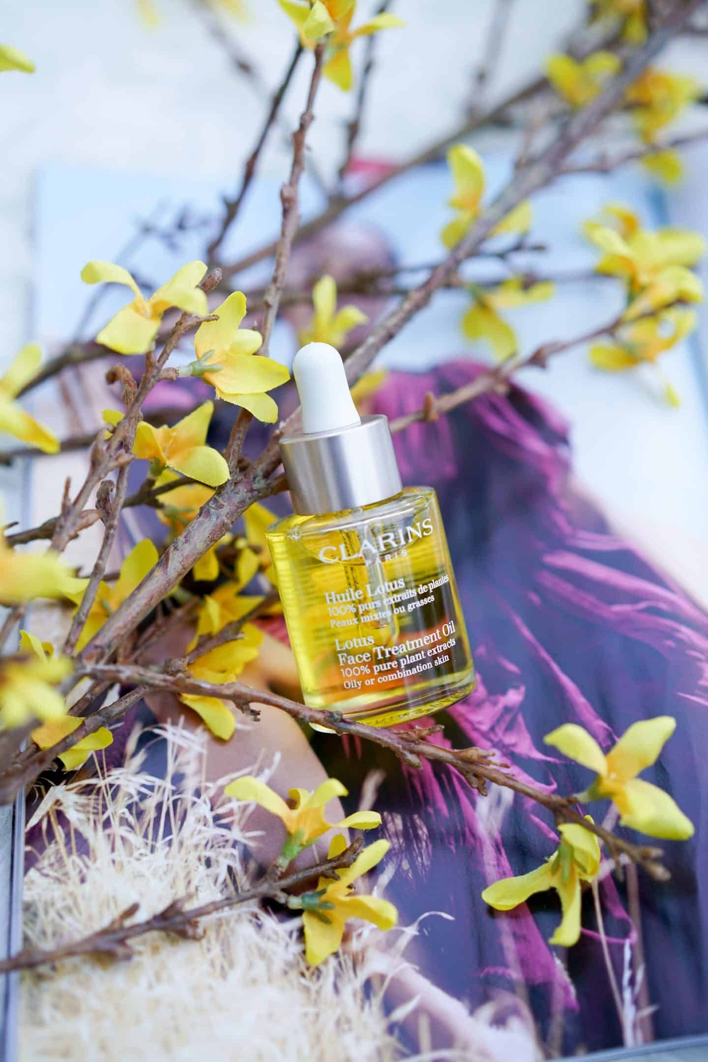Clarins Face Treatment Oil, Beauty review, Chicago Blogger, A Lily Love Affair