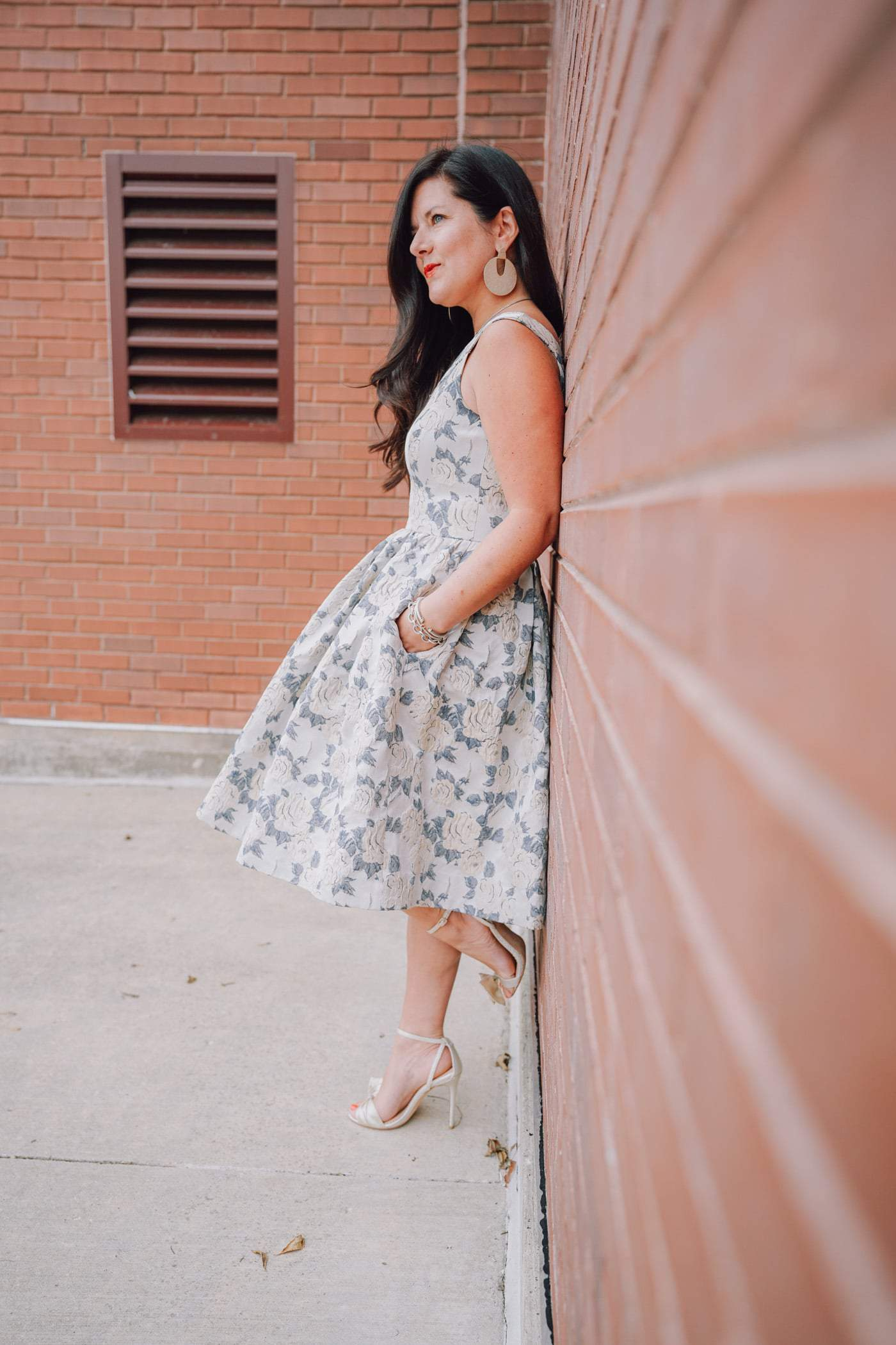 Gal Meets Glam Dress collection, Gal Meets Glam Ava Fit & Flair Dress, Bella Belle Gold Bow heels, Holiday Style, Wedding Guest Style, A Lily Love Affair, Chicago Blogger