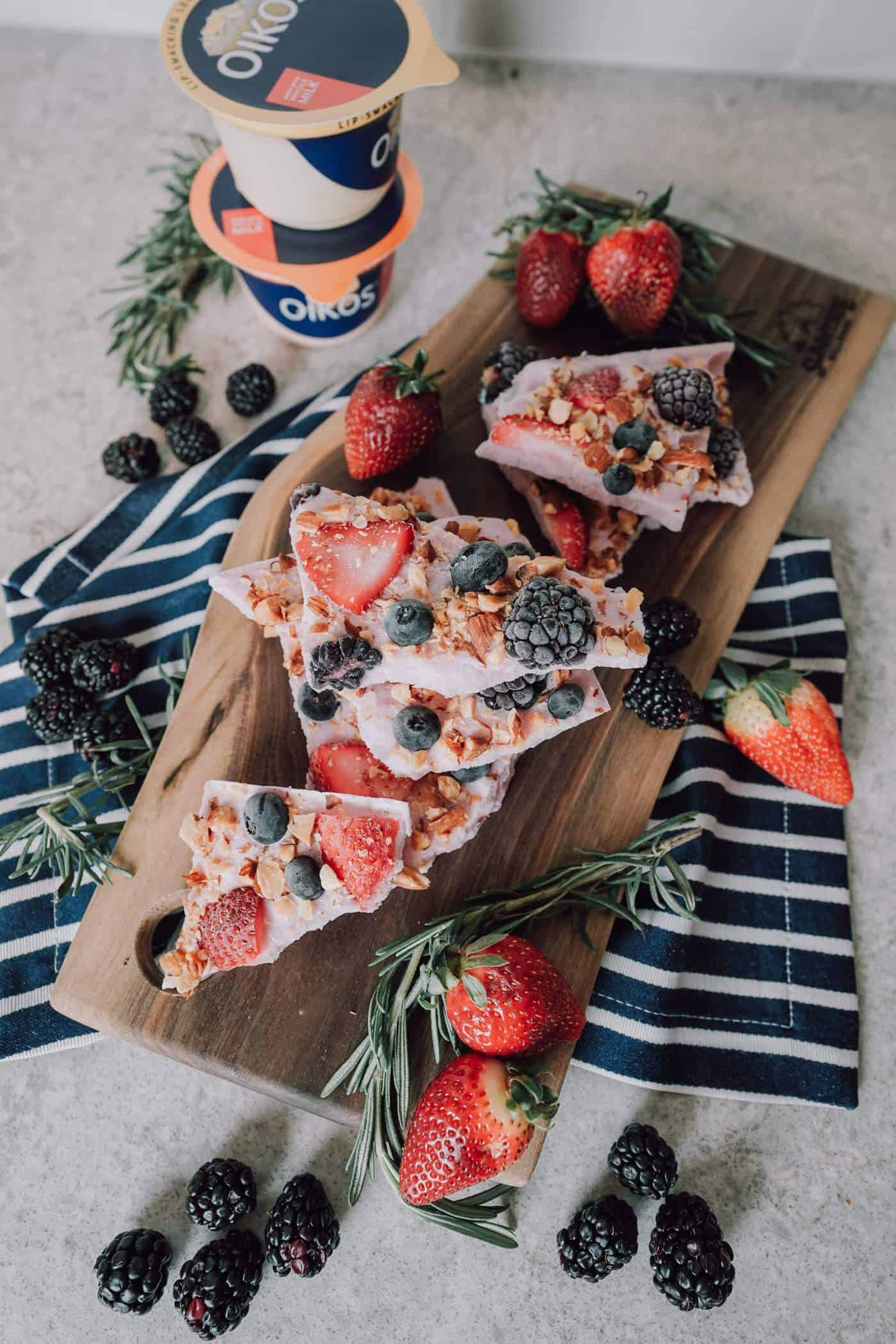 fruit greek yogurt bark, frozen yogurt, healthy recipe, A Lily Love Affair, oikos blue