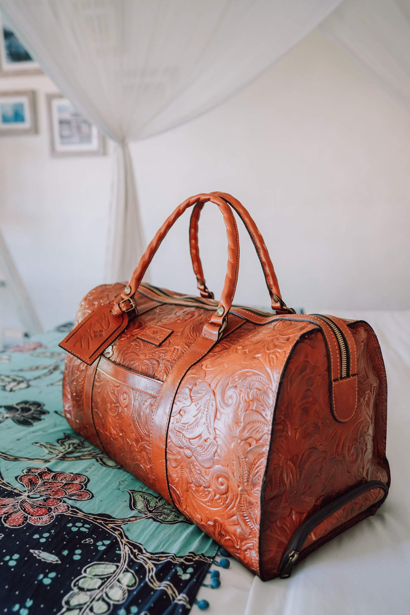 Lifestyle blogger Anna Baun of A Lily Love Affair shares Spring Style with Patricia Nash Designs. This stunning Patricia Nash Avolo Duffle is the perfect luggage for all your travels.