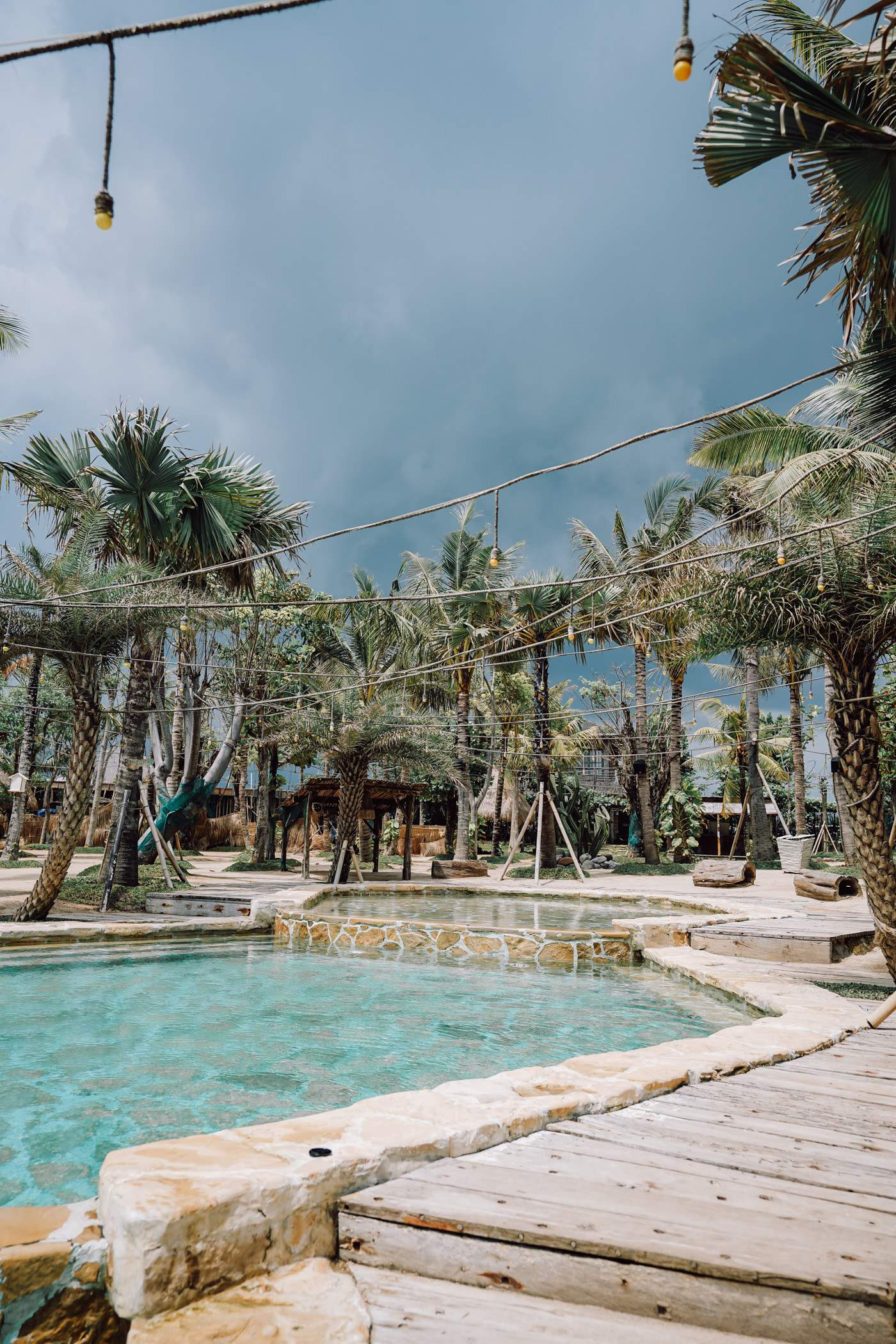 Looking for the best Bali beach clubs? We have you covered! Today, we're giving an honest review of 5 of Bali most notable beach clubs acorss the island. Including La Brisa Beach Club located in Canggu.