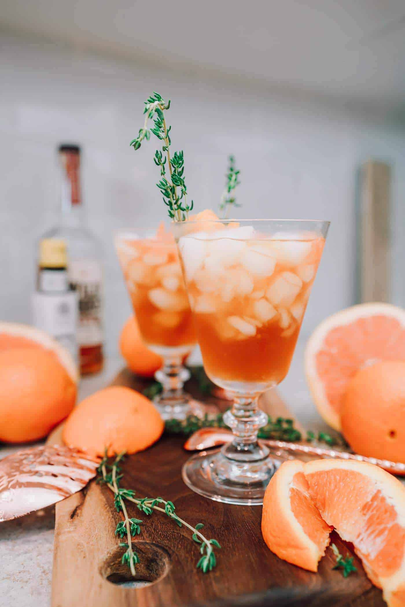 This cocktail is by far one of the best old fashioned recipe you'll try to date! It's perfect for entertaining this holiday season! See details inside! #cocktailrecipe #oldfashioned #cocktail #whiskey