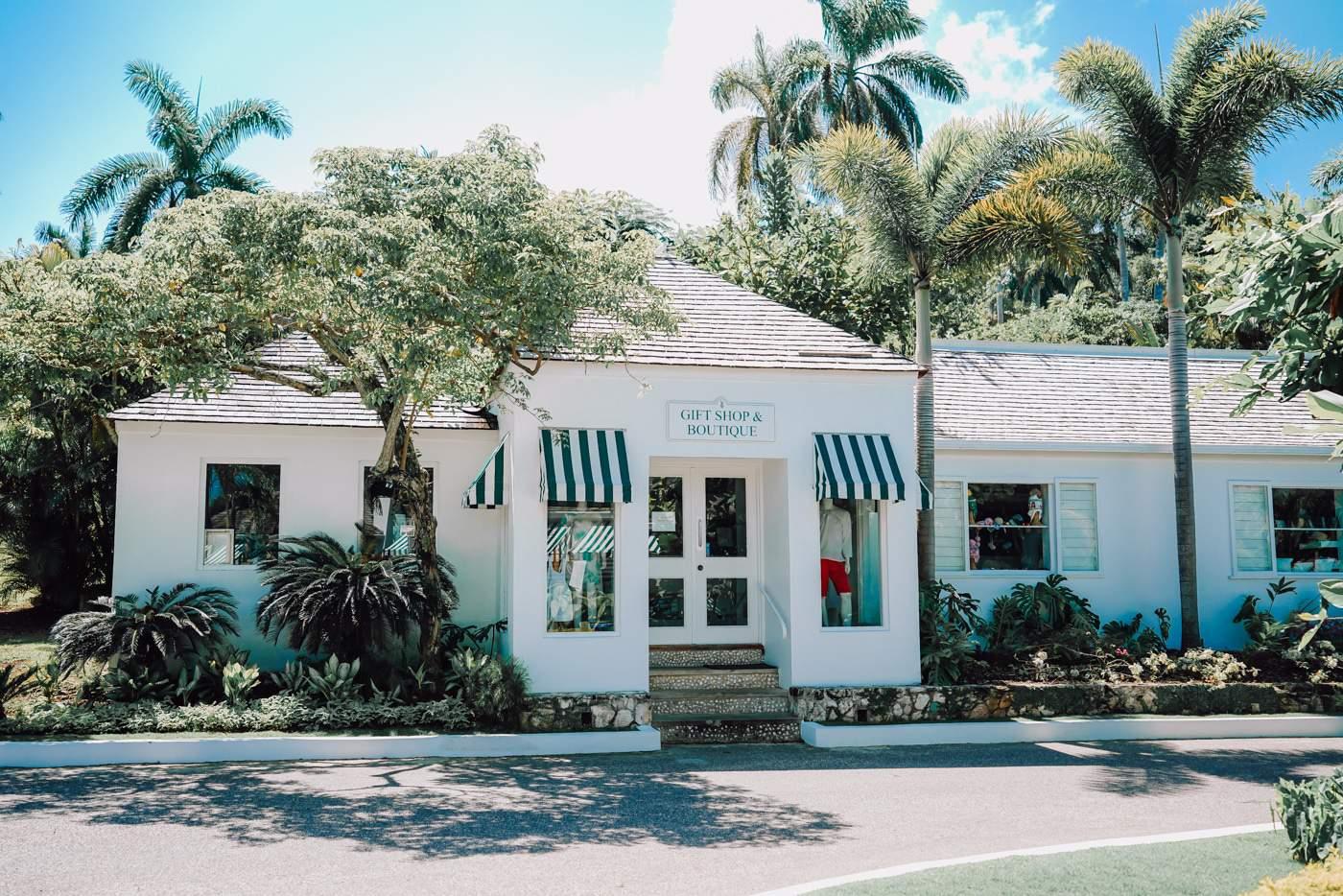 Round Hill Resort Gift Shop