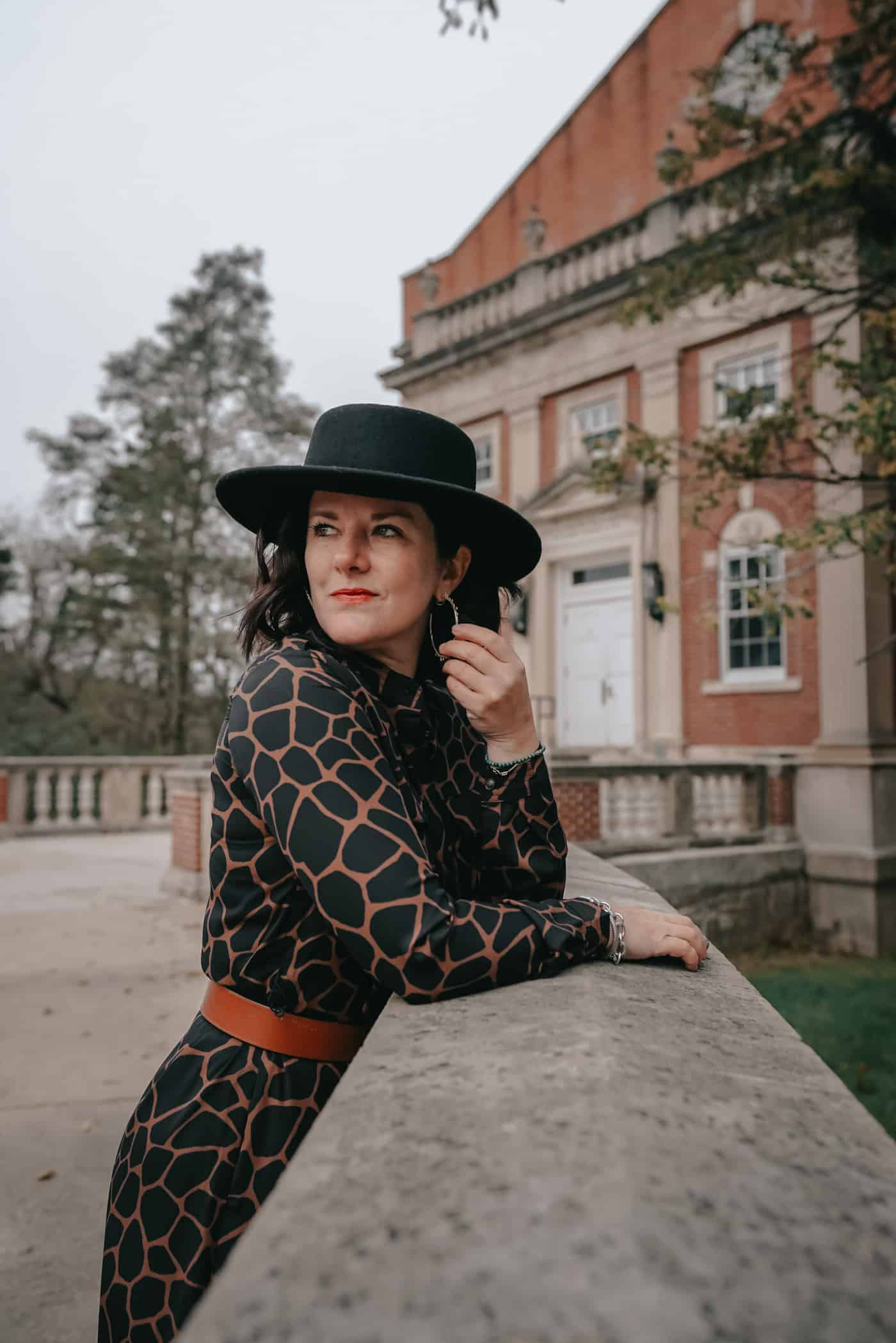 Anna Baun of A Lily Love Affair sharing 20 affordable dresses with sleeves that are perfect for Fall and Winter. Plus, a great Nordstrom giveaway! #Dresses #DressesWithSleeves #FallDresses #WinterDresses #PetiteDresses