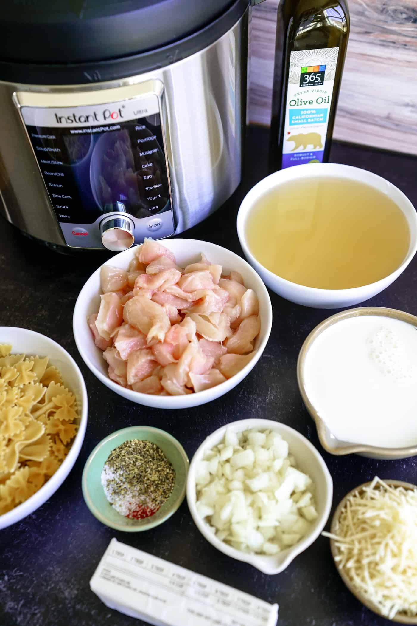 Ingredients to make Instant Pot Creamy Chicken Pasta