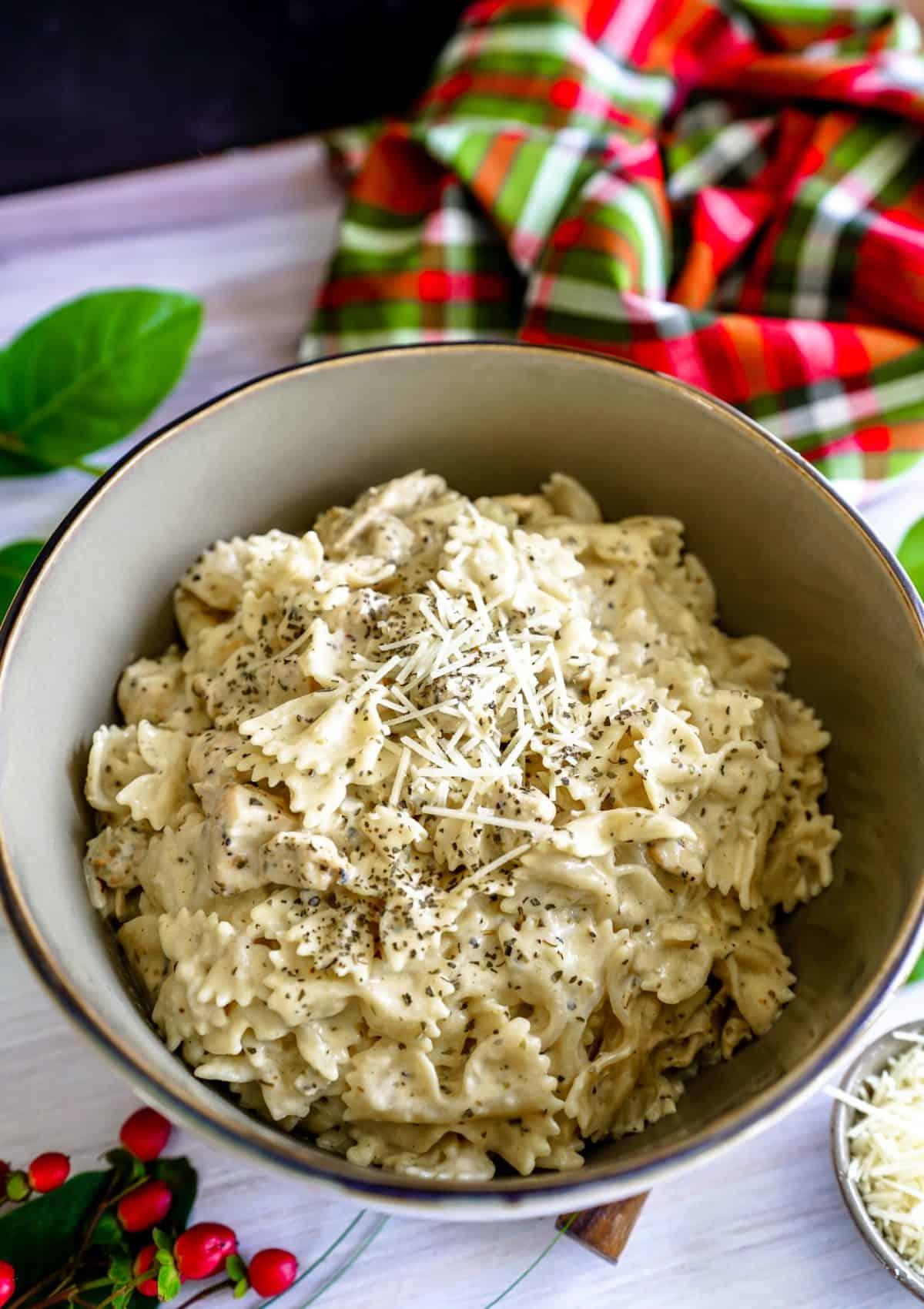 Instant Pot Creamy Chicken Pasta in Garlic Parmesan Cream Sauce