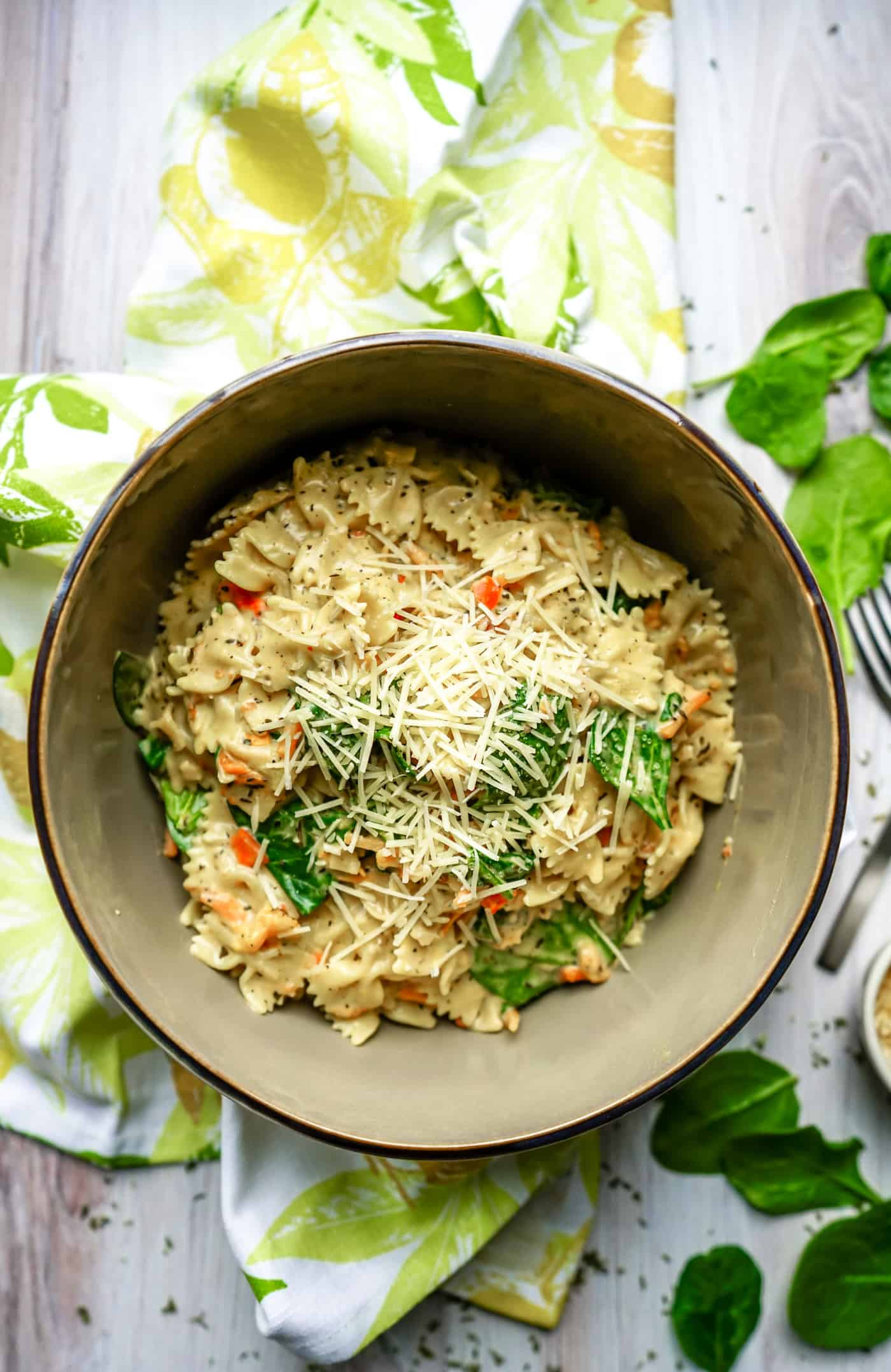 What better way to get in your veggies than with this delicious, keto-friendly and vegan Instant Pot Pasta Primavera. It's the perfect dinner tonight! Give it a try and let us know what you think!