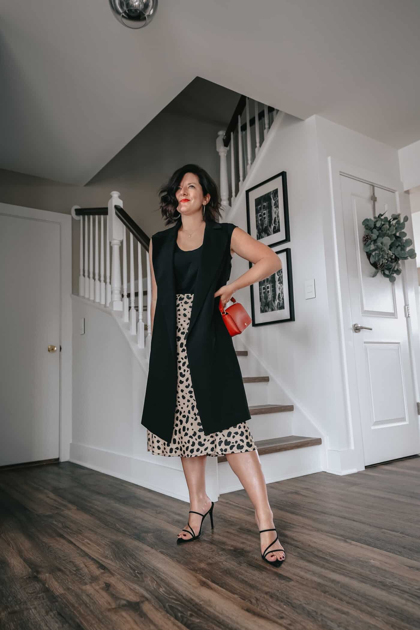 Anna of A Lily Love Affair shares how to style a leopard print skirt 5 different ways. Plus, you'll find more than 10 great leopard print skirts all less than $100!