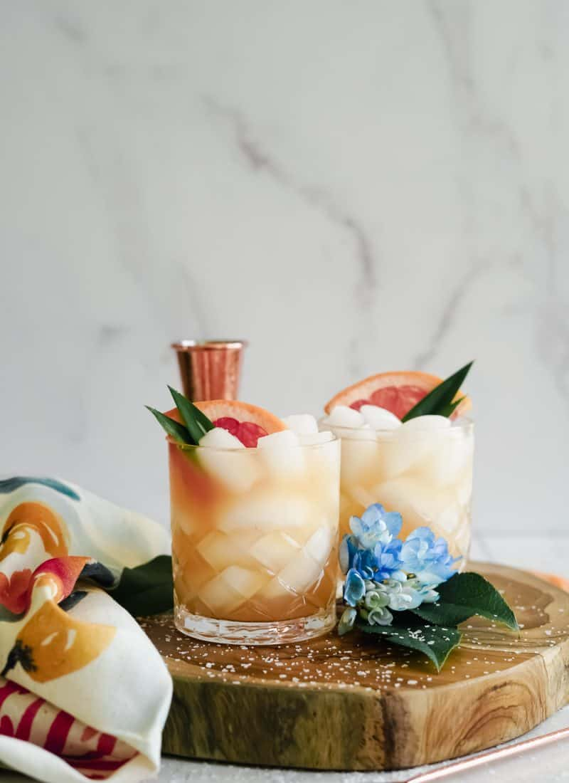 Mezcal Paloma || Delicious Summer Cocktail