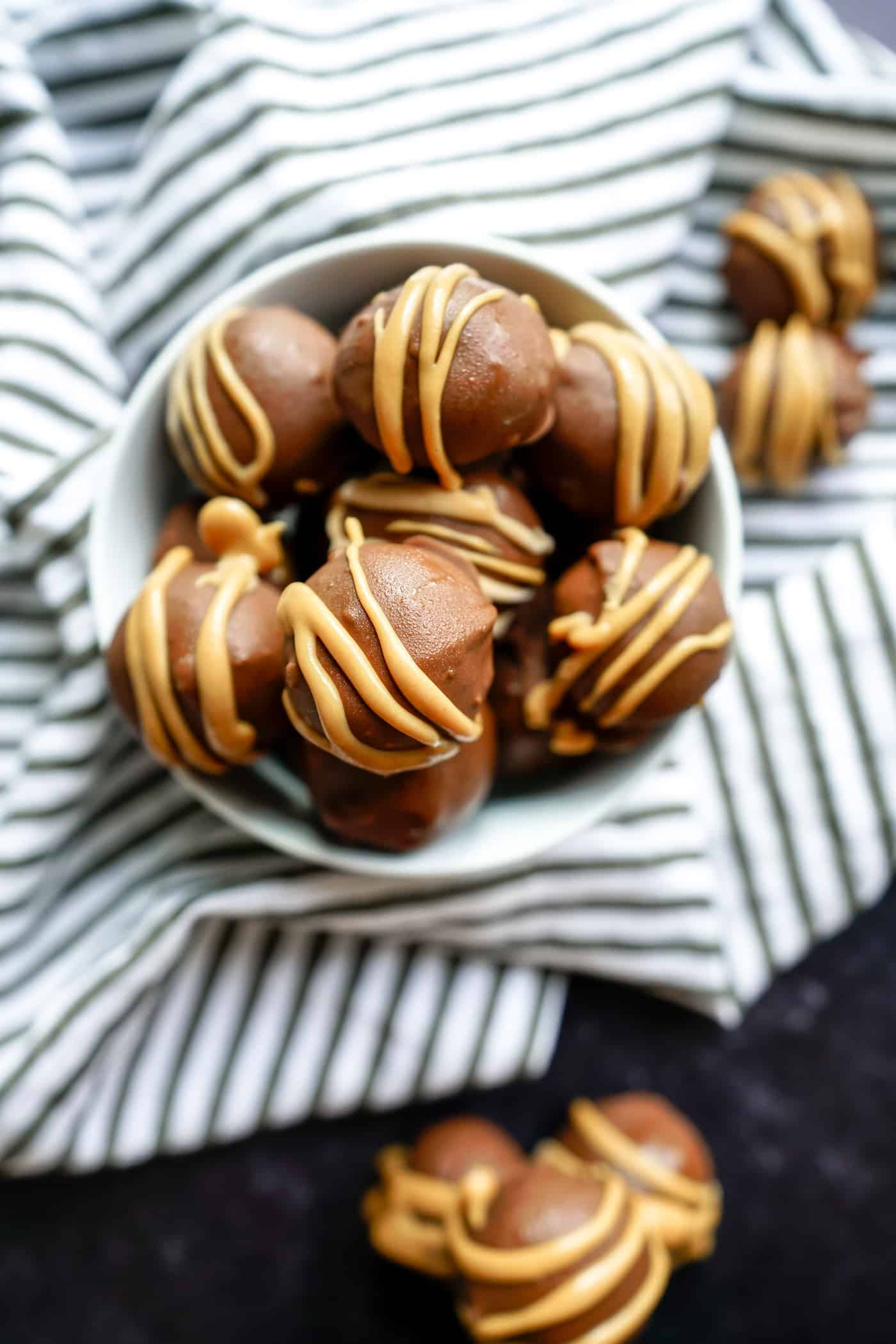 A Lily Love Affair sharing an snack recipe no bake peanut butter balls with pretzels