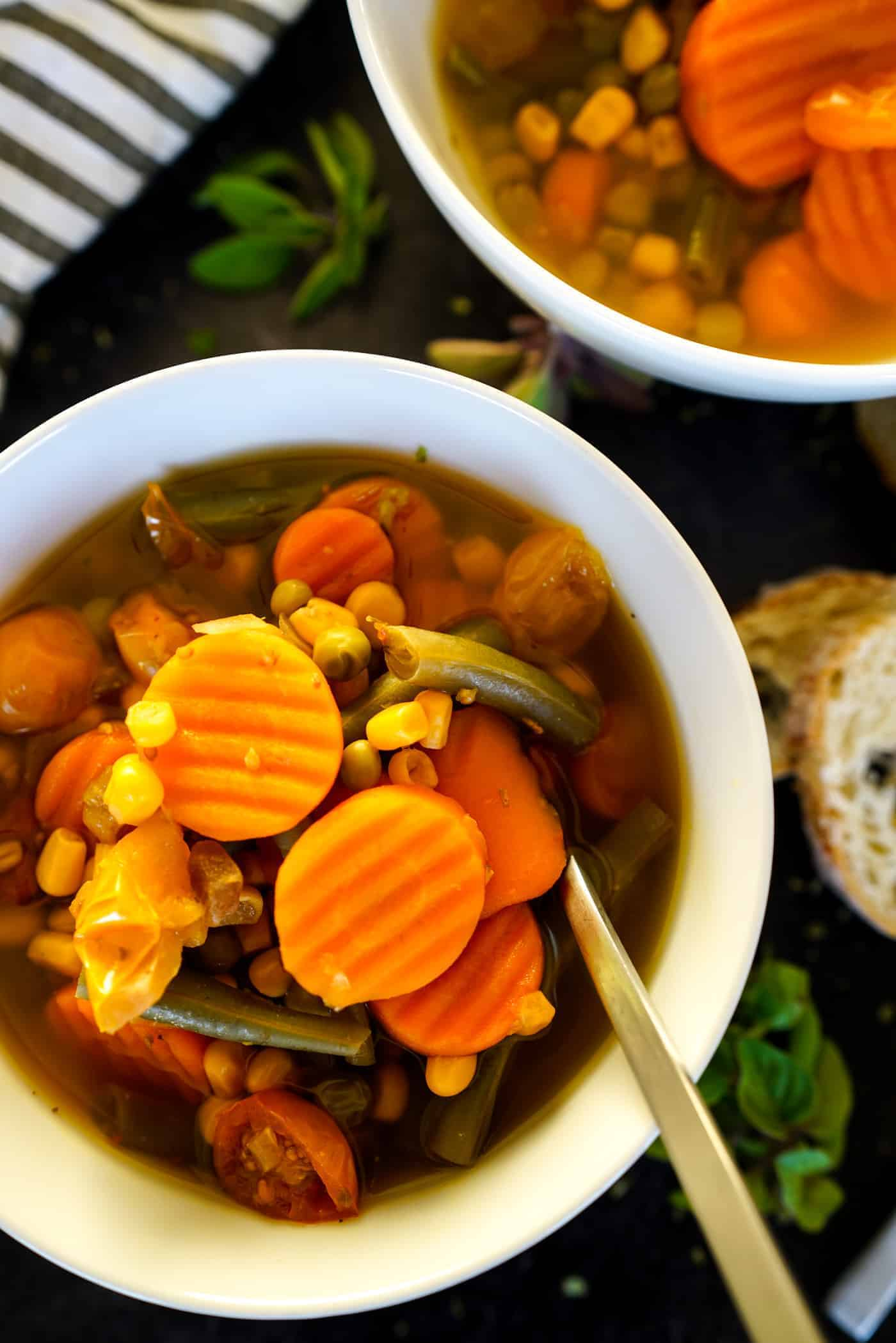 A Lily Love Affair shares a recipe for Instant Pot Vegetable Soup