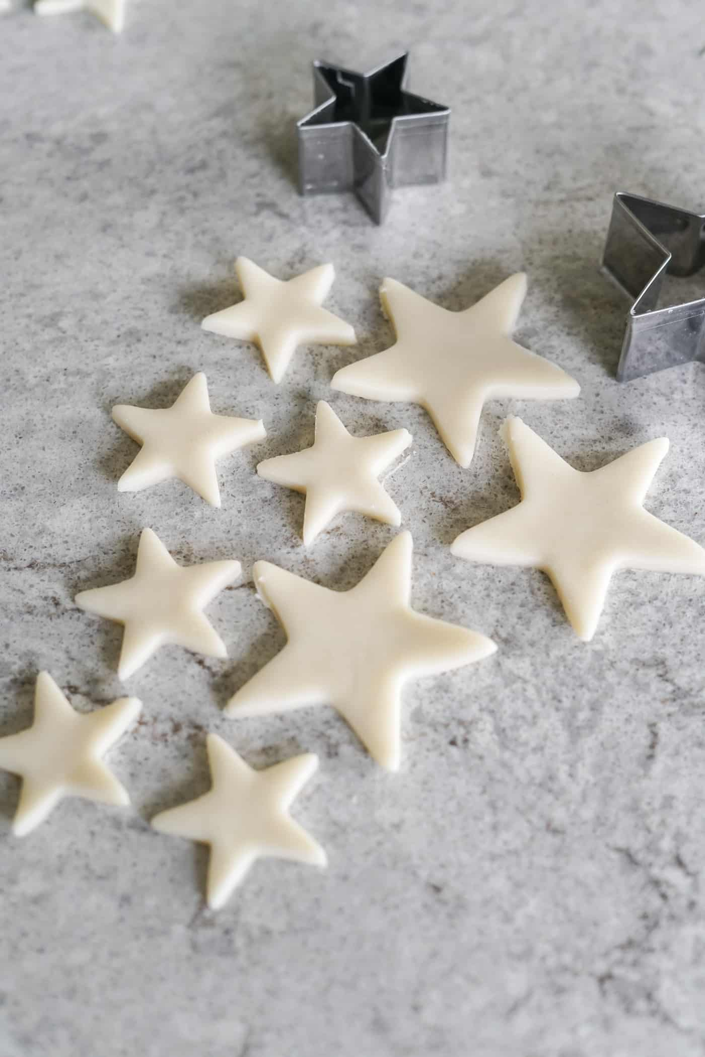 Small and medium star cut outs ofr strawberry pie